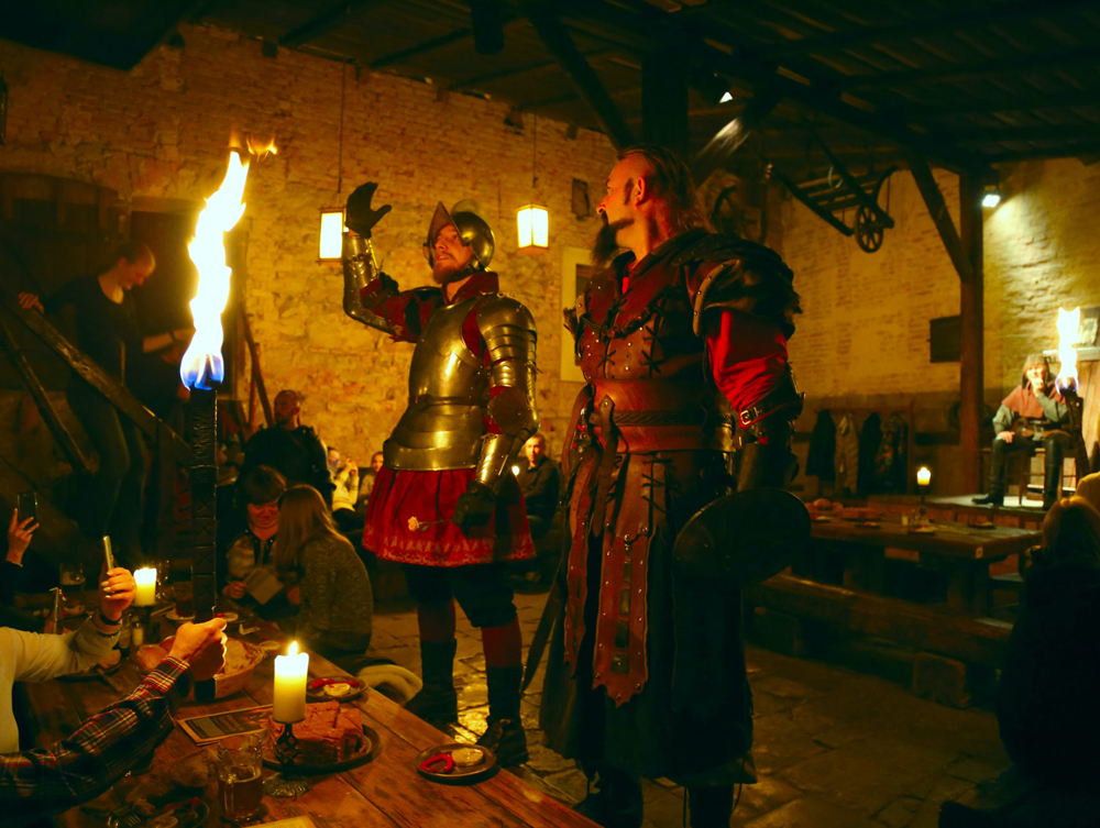Medieval show and dinner at Detenice castle