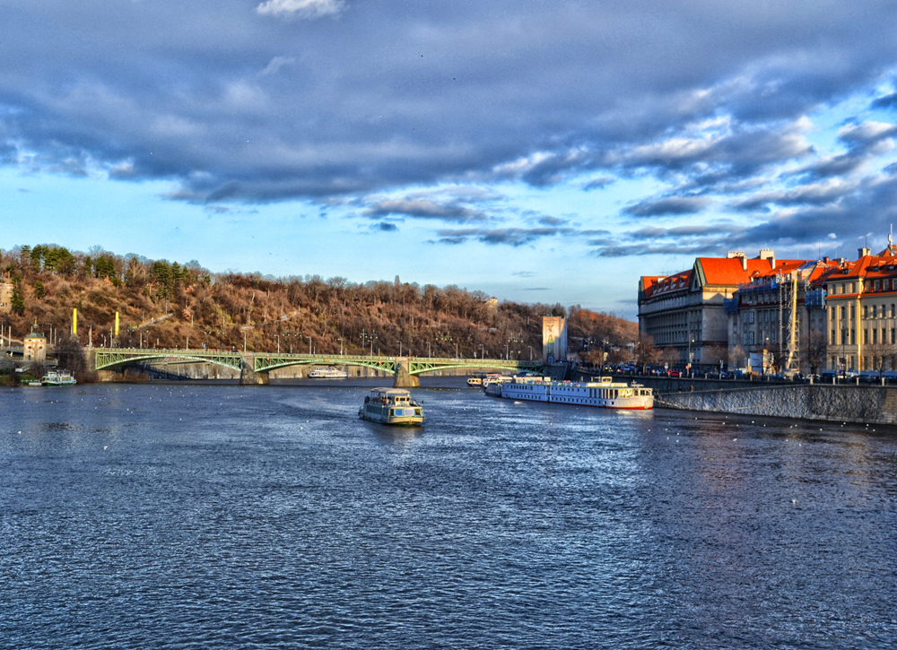 Boat trip with the dinner on the Vltava river